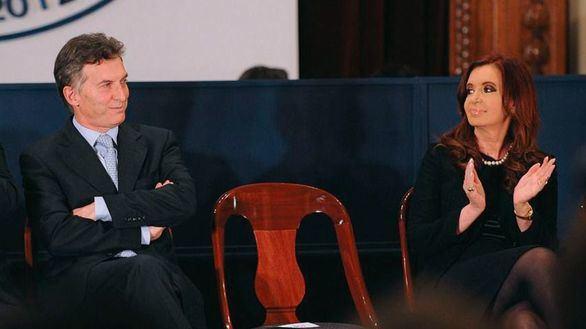 Macri reconoce que sus previsiones económicas fallaron y Cristina Fernández vuelve al juzgado