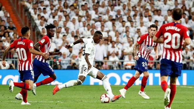 El Real Madrid y el Atlético colisionan compartiendo incertidumbre en el derbi