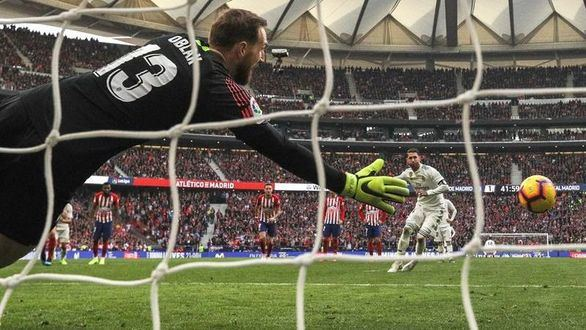 El Real Madrid tumba al Atlético y se engancha a la Liga |1-3