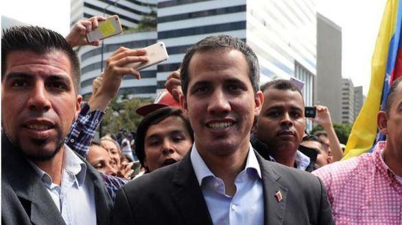 Guaidó viaja a la frontera con Colombia y dice que la ayuda entrará