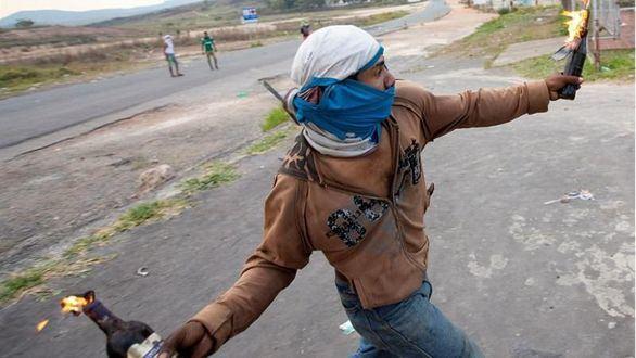 Guaidó no descarta ninguna opción para liberar Venezuela de Maduro