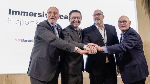 De izquierda a derecha: el CEO de Mobile World Capital Barcelona, Carlos Grau; el presidente del FC Barcelona, Josep Maria Bartomeu; el presidente de Telefónica España, Emilio Gayo; y el consejero delegado de GSMA, John Hoffman.