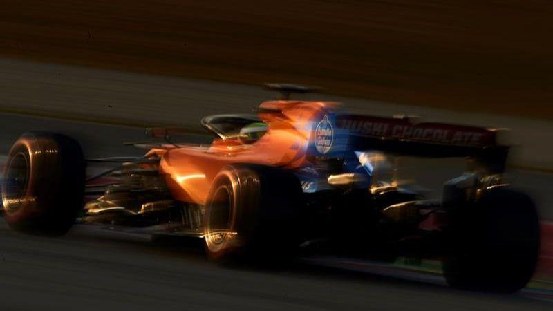 Fórmula Uno. El McLaren sorprende en Montmeló con guiño de Fernando Alonso