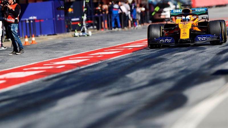 Fórmula Uno. Carlos Sainz confirma el renacer de McLaren, con Alonso de asesor