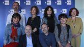 De izquierda a derecha de pie: Luis Sanz, Marta Cerame, Emilia Pérez, Esther Rebollo.  De iquierda a derecha sentados: Soledad Álvarez, Luis Villarejo, Carlos Gosch y Esther Borrell.