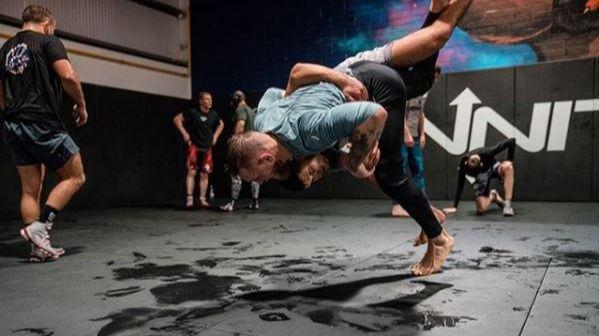 UFC. Conor McGregor se examina: entrena para cambiar y volver a la cima