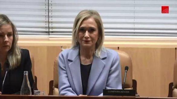 Cifuentes, muda e impasible en la comisión sobre el caso Máster