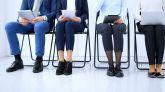 Las mujeres tienen un 30 % menos de probabilidades de acceder a un proceso de contratación que los hombres