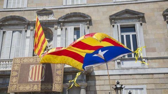 La Junta Electoral da 48 horas a Torra para que quite esteladas y lazos amarillos