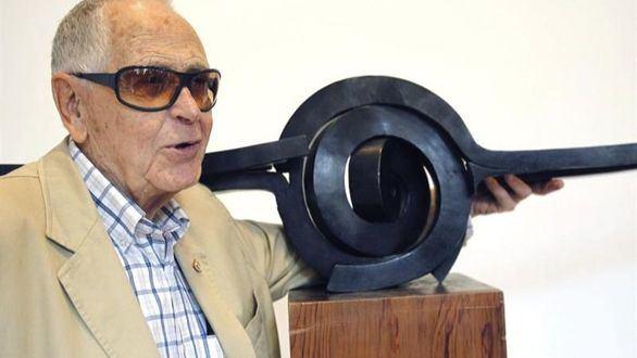 Fallece el icono de la escultura abstracta española Martín Chirino