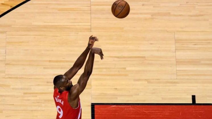 NBA. Los Rockets de Harden ya meten miedo y el lío de Ibaka