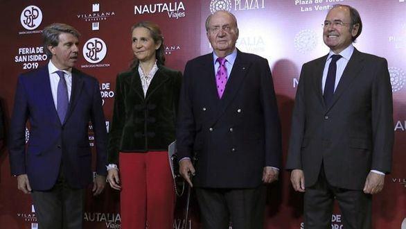 El rey Juan Carlos I preside la gala del toreo con un moratón en un ojo