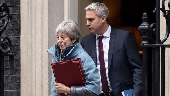 May reconoce que no tiene suficientes votos para aprobar su acuerdo