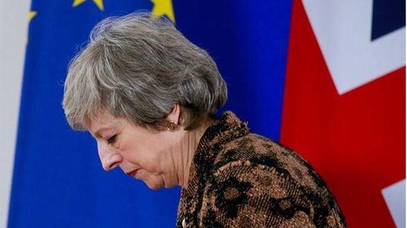 May dimitirá si Westminster apoya su acuerdo con Bruselas