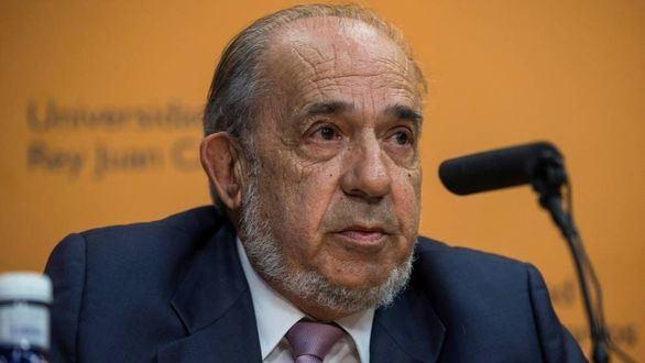 Muere Enrique Álvarez Conde, director del máster de Cifuentes