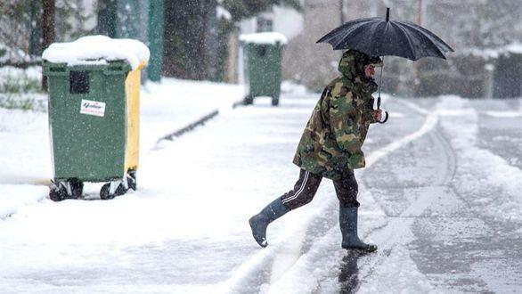 La lluvia persistirá este domingo mientras la cota de nieve sigue en ascenso