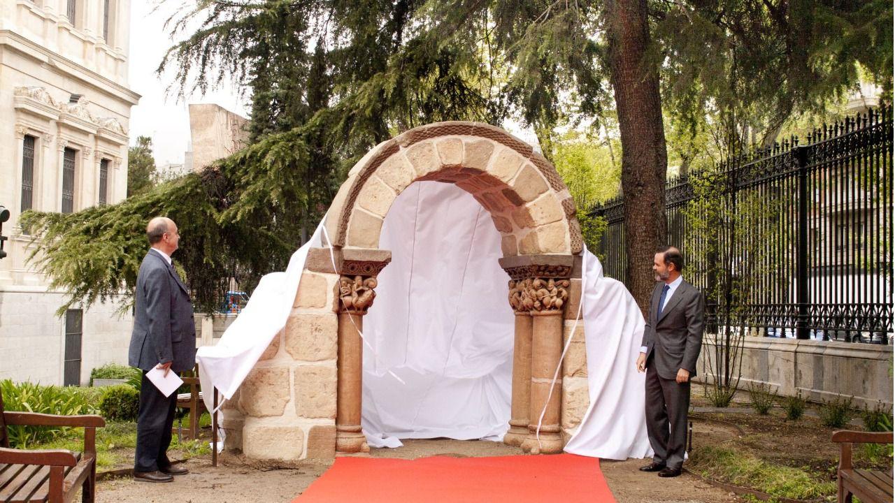 El Arqueológico reproduce un arco románico mediante impresión 3D en hormigón