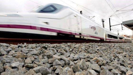 El AVE Madrid-Barcelona de bajo coste llegará en Semana Santa de 2020