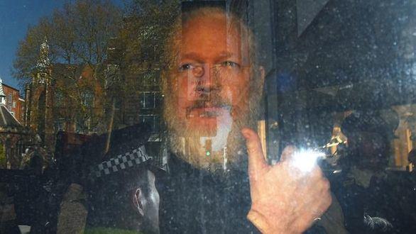 Assange se enfrenta a cinco años en EEUU por conspiración