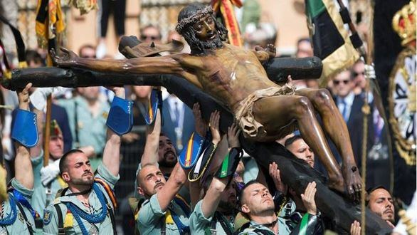 Crónica religiosa: No instrumentalicemos la Semana Santa