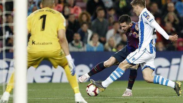 El Barcelona allana su senda hacia el título ante la Real | 2-1