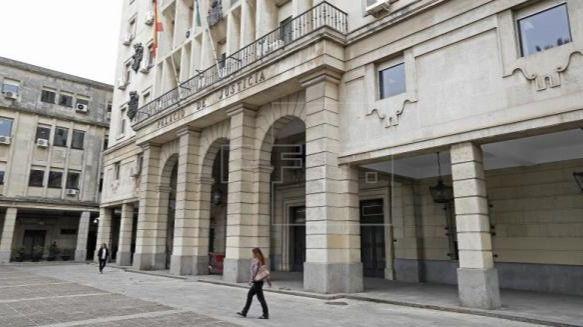 Primera condena de prisión permanente revisable para el asesino de una mujer en Pilas