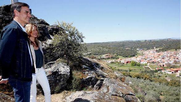 Sánchez visita el pueblo de su abuelo en Ciudad Real