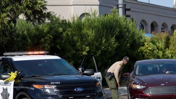 El autor del tiroteo en una sinagoga de California se inspiró en la matanza de Nueva Zelanda