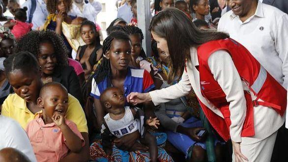 La Reina llega a Mozambique para apoyar a la cooperación española