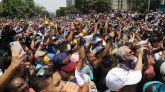 La Policía de Maduro reprime con gas lacrimógeno las manifestaciones