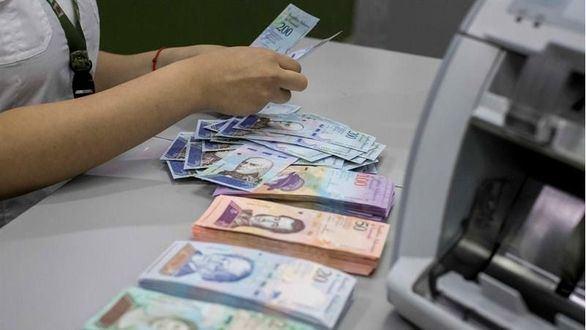 Venezuela estrena moneda con cinco ceros menos en medio de la hiperinflación.