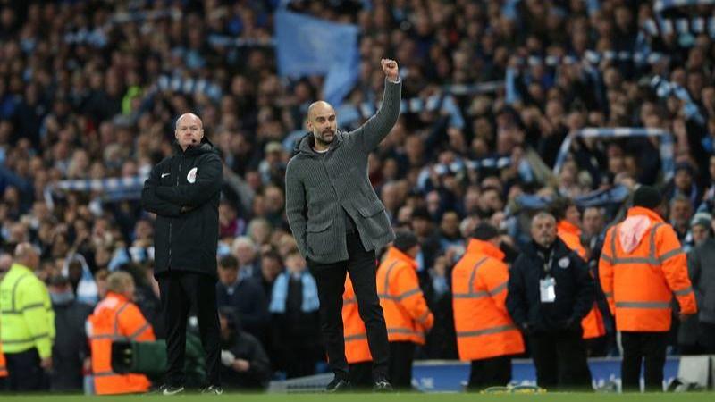 Un golazo de Kompany acerca la Premier al City de Guardiola