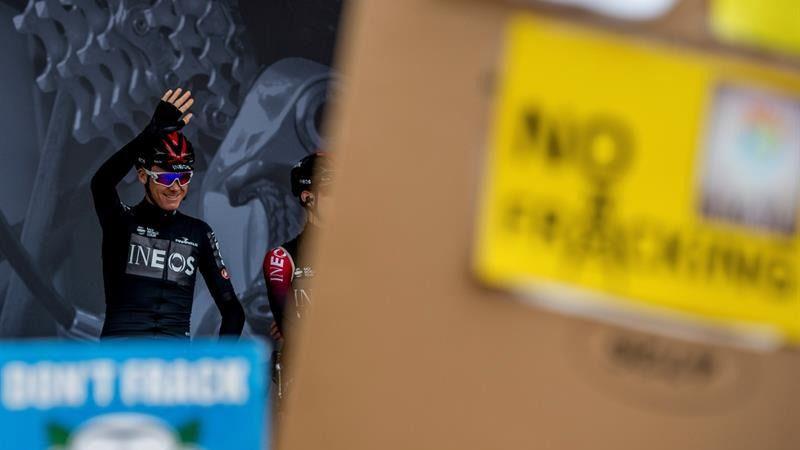 El Sky de Froome, ahora Ineos Team, gana en plena lluvia de críticas