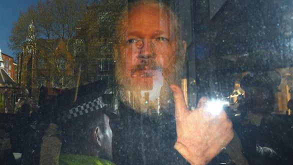 La Fiscalía sueca investiga a Assange por supuesta violación