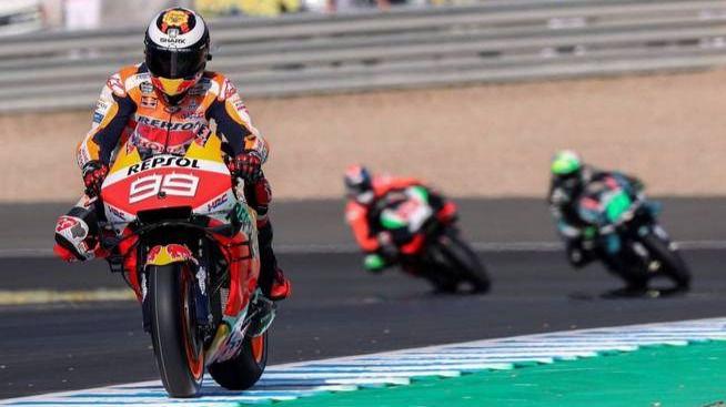 MotoGP. El fuego prende en el paraíso: Honda y Lorenzo intercambian punzadas
