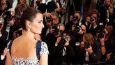 Penélope Cruz reina en la alfombra roja de Cannes en la noche de Almodóvar
