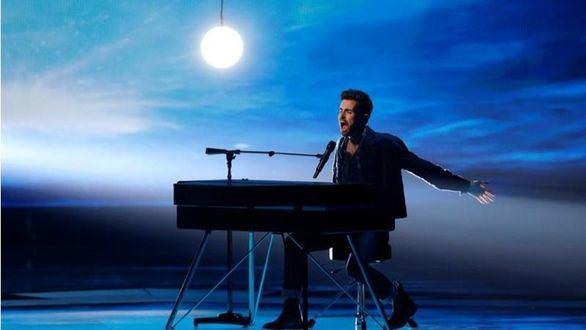 Holanda gana el Festival de Eurovisión y España logra la 22ª posición con 60 puntos