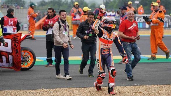GP Francia. Marc Márquez domina en Le Mans y ya mete miedo