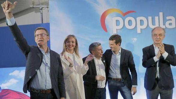 Casado y Feijóo escenifican la imagen de unidad del PP en dos actos en Galicia