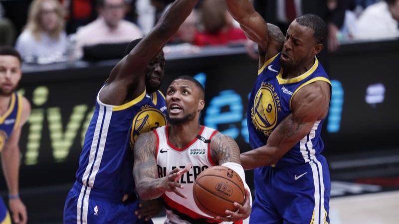 NBA Playoffs. La defensa de los Warriors lleva a Portland hacia el abismo