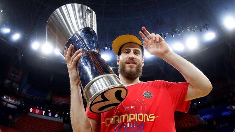 Euroliga. El CSKA del 'Chacho' gana el Efes y es campeón | 83-91