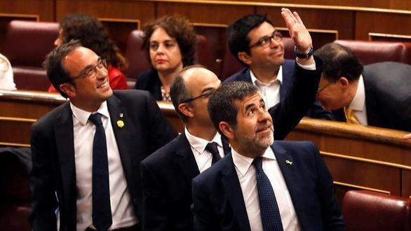 Casado y Rivera pedirán la suspensión 'inmediata' de los soberanistas