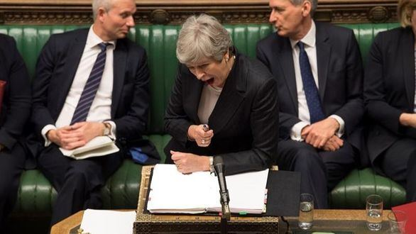 Nuevo revés para May: dimite la líder conservadora del Parlamento