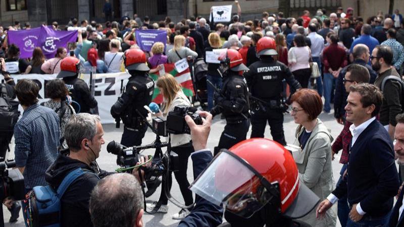 Proetarras revientan un acto de Ciudadanos en el pueblo de Josu Ternera