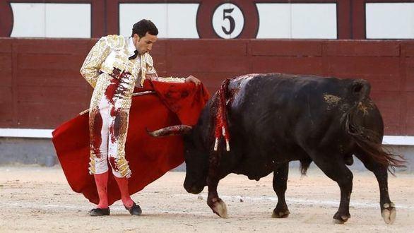 David de Miranda vence al viento y sale a hombros en Las Ventas