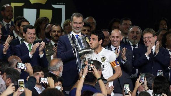 El Valencia celebra su centenario ganando la Copa