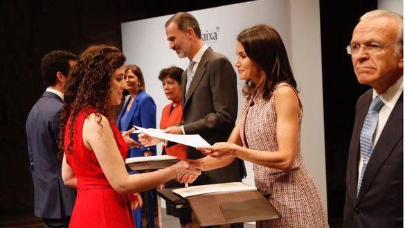 Los Reyes presiden la entrega de becas de la Fundación 'La Caixa'
