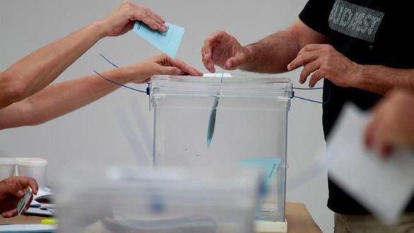 El recuento da un edil más al PSOE en León, pero Cs mantiene la llave