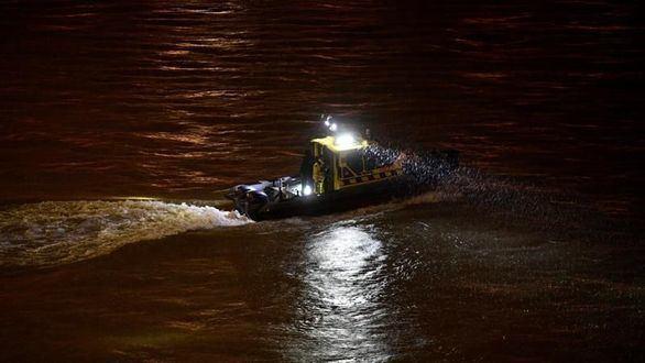 Al menos tres muertos al naufragar en el Danubio un barco con 34 personas