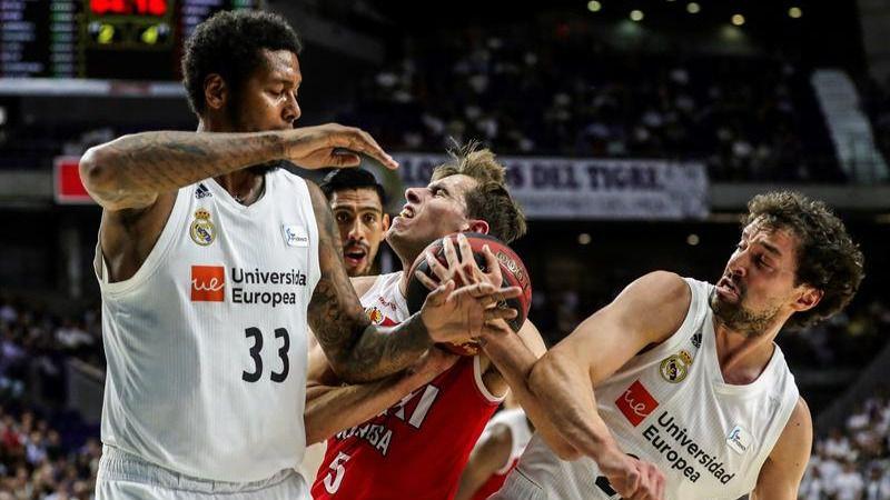 ACB Playoffs. El Real Madrid abre fuego arrasando al Manresa   98-75